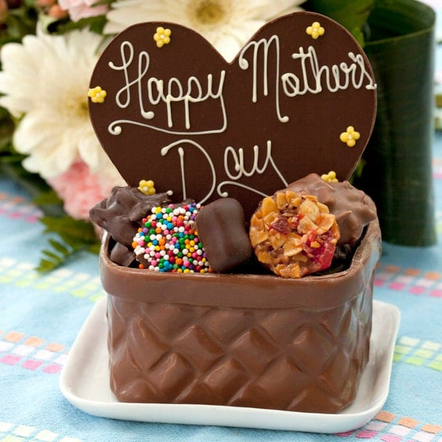 As Mother's Day draws near, we bet you're looking for options on what to get your mom (or wife). Worry no more as we brought you the best shops you can check out for chocolates. Plus, these shops deliver too! You can easily surprise them still even if you don't have much time to spare. Convenient and easy to order, here are the ten best shops for Mother's Day chocolate delivery in Toronto. All assured to be of excellent quality and with excellent packaging too. BEST SHOPS FOR MOTHER'S DAY CHOCOLATE DELIVERY IN TORONTO (2021) 1.KACE CATERING A premier catering company in Toronto, Kace Catering not only offers comprehensive selections. They also have food selections you can easily order in and have delivered anywhere in the GTA. Choose from their grazing boxes, sushi bake, three-course meal boxes, or even chocolate-dipped strawberry box! What can be sweeter than receiving great food that also looks nice, right? website: www.kacecatering.com/ address: 1230 Sheppard Ave W, Unit 12, North York, ON M3K1Z9 2.THE CHOCOLATE MESSENGER One of Toronto's largest go-to shops for gourmet chocolate treats for any occasion, The Chocolate Messenger remains the crowd-favourite. They offer various chocolate offerings to choose from. Be it classic chocolate bars to sinful truffles and pralines, this shop got you and your Mother's Day chocolate delivery. They are truly committed to providing you sweets when you need them the most. Check out their website to see more! website: https://www.chocolatemessenger.com/ address: 1645 Bayview Avenue Toronto, ON M4G 3C1 3.FLORAL BASH Not just flowers, Floral Bash, goes beyond their comfort zone and also offers flower boxes with chocolates. The best of both worlds put together in one package - convenient, beautiful and sweet. If this isn't the best gift for your mom yet, we don't know what else will impress you. Besides this, you can check out their chocolate-dipped strawberries that are packaged elegantly! A great option if you ask us to have it delivered with a bouquet of fresh flowers. website: https://www.floralbash.ca/ address: 1230 Sheppard Ave W, Unit 12, North York, ON M3K1Z9 4.HAZELTONS Truly spark joy with Hazelton's! They are another excellent shop for Mother's Day chocolate delivery. They have superb ready-made gift boxes or even gift baskets that you can choose from. Some even come with a bottle of wine or champagne. Talk about making it extra-special. This shop knows how best.  website: https://www.hazeltons.ca/ 5.CHOCOLAT DE KAT Coming in lovely and extraordinary packaging, Chocolat De Kat offers aesthetic marbled bonbons. You may easily choose between their chocolate size ranges (be it 4s, 9s, or even 25s). Moreover, you can curate your own chocolate adventure by choosing from their different flavour selections. However, if you are into the classic bars only, they have a few and fun variations that you can check as well. website: chocolatdekat.com/ 6.MY BASKETS Celebrate the most special woman in your life with My Baskets chocolate gift sets. Coming in different sizes, you can choose what goes best with your mom's preference. Further, you can even have it delivered on Mother's Day. They have quite extensive selections from popular affordable to premium chocolates. If you want, you can even add wine to the set for a more special gift.  website: https://www.mybaskets.ca/ 7.PURDYS CHOCOLATIER Coming with excellence, Purdys Chocolatier has been in business for over 100 years. They remained a go-to shop for all occasions chocolate. With their extensive selection, each product is ensured to be made with sustainable cocoa. A bit different from their iconic violet and gold packaging, they also offer limited-time packaging and gift sets for your Mother's Day chocolate delivery.  website: https://www.purdys.com/ address: 66 Wellington St W Toronto, Ontario M5K 1A1 8.SOMA CHOCOLATEMAKER Express your appreciation best with SOMA Chocolatemaker! A must consider for Mother's Day chocolate delivery because of their impressive chocolate selections. They have a delicious and rich chocolate party cake if you're feeling a bit grand but if not, even their spark of joy truffle box seems an excellent choice too. Check out their website to see more of what they offer. They also have chocolate bars with superb flavours worth trying - mango and raspberry! website: https://www.somachocolate.com/ address: 443 King Street West, Toronto 9.STUBBE CHOCOLATES If you think chocolate only comes in bars or basic forms, Stubbe Chocolates say otherwise! They added a twist on your favourite chocolates by shaping it into out-of-the-box forms. Be it a stiletto or a wine bottle chocolate, it looks so good as it tastes. Moreover, they have a special Mom's Favourite Basket that is perfect for Mother's Day chocolate delivery!  website: https://www.stubbechocolates.com/ address: 653 Dupont Street Toronto, ON M6G 1Z4, CA